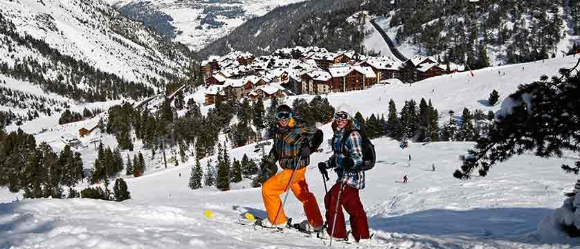 France_Les-Arcs_Le-Village-Apartments_Arc-1950-skiers.jpg